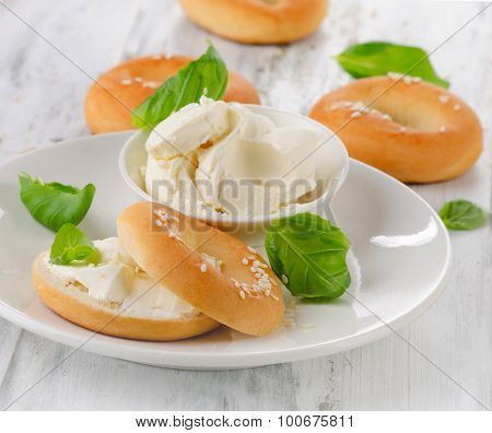 Fresh Bagels With Cream Cheese
