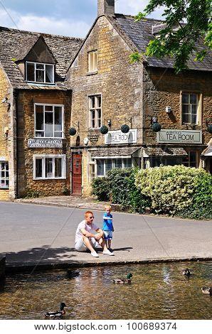 Bourton on the Water village centre.