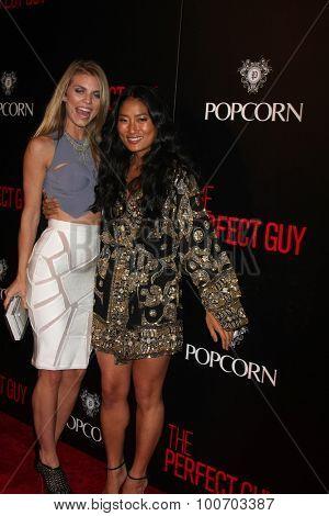 LOS ANGELES - SEP 2:  AnnaLynne McCord, Chloe Flower at the