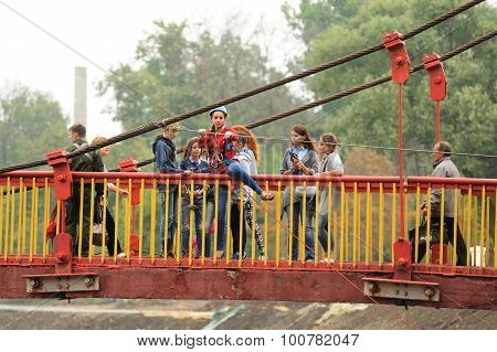 Orel, Russia, September 5, 2015: Resque Team Girls Ready To Jump From Bridge