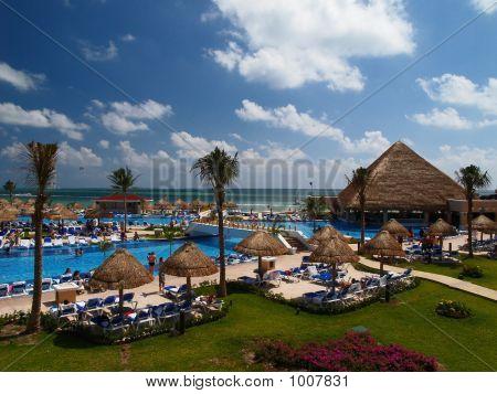 A Luxury Cancun Beach Resort