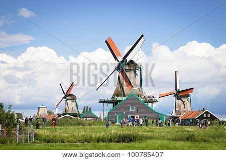 Zaanse Schans, Nethrlands - August 24, 2014: Nature And Windmills In Zaanse Schans, Northe Holland,