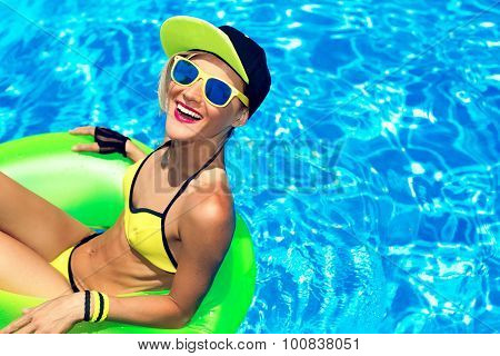 Happy Glamour Girl With Inflatable Circle In Pool Party Summer Style