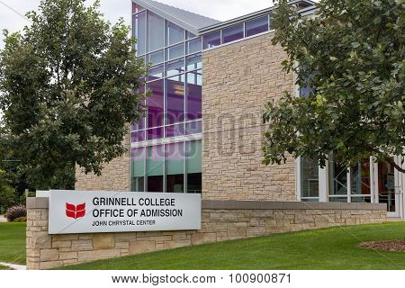 Grinnell College Office Of Admission On The Campus Of Grinell College