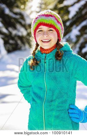 Winter vacation, snow - girl enjoying winter