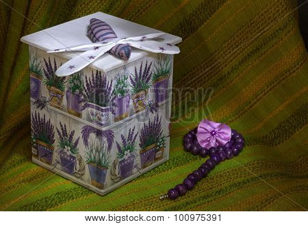 Decoupage box with lavanda