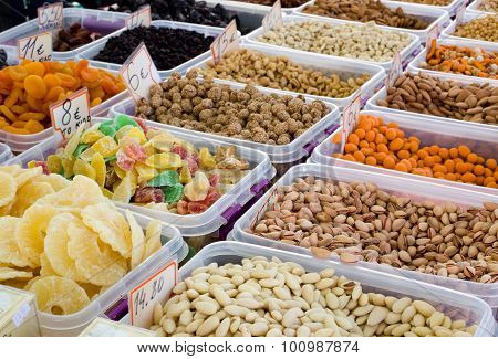 Nuts And Dry Fruits For Sale