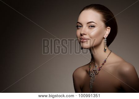 High-fashion Model Girl Beauty Woman high fashion Vogue Style Portrait beautiful fashionable Luxury lady precious jewelry diamond ring necklace Stylish Makeup Make up Perfect skin eyes lips