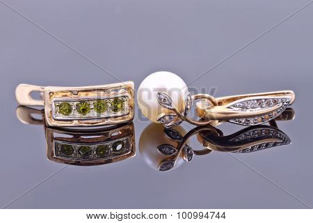 Gold Earrings With Emeralds And With Pearl