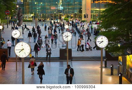 LONDON, UK - 7 SEPTEMBER, 2015: Canary Wharf business life. Business people going home after working