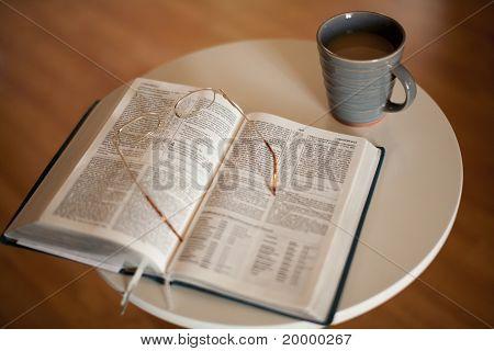 Bijbel en warme dranken