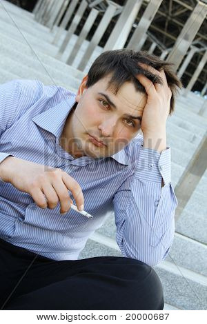 Kaufmann raucht