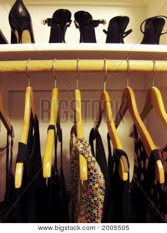 Abendkleider und dressy high heels