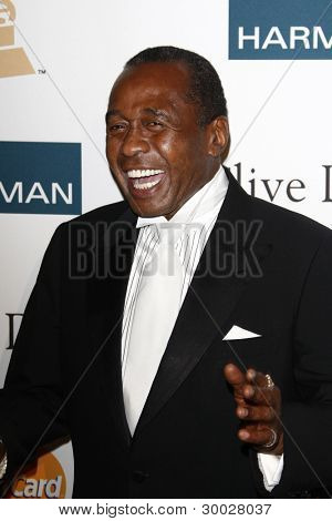 LOS ANGELES - FEB 11:  Ben Vereen arrives at the Pre-Grammy Party hosted by Clive Davis at the Beverly Hilton Hotel on February 11, 2012 in Beverly Hills, CA