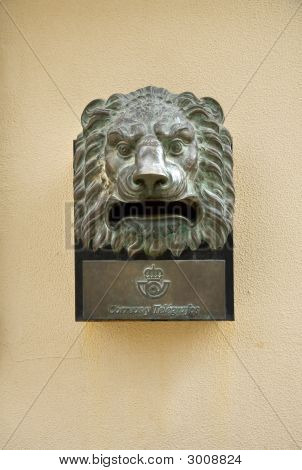 Mailbox Lion