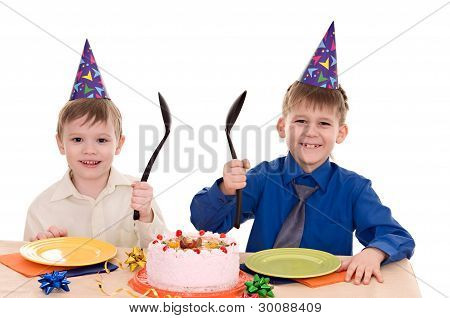 Zwei junge Wich Kuchen