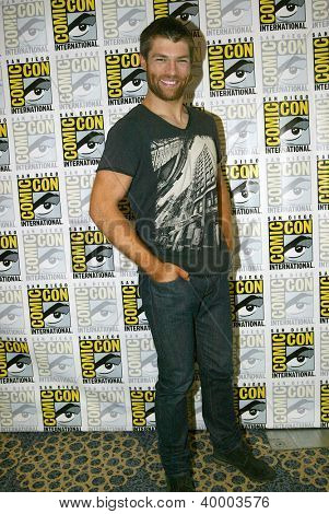 SAN DIEGO, CA - JULY 13: Liam McIntyre arrives at the 2012 Comic Con convention press room at the Bayfront Hilton Hotel on Friday, July 13, 2012 in San Diego, CA.