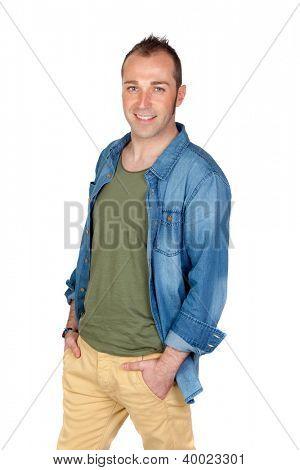 Hombre simpático sonriendo aislada sobre fondo blanco