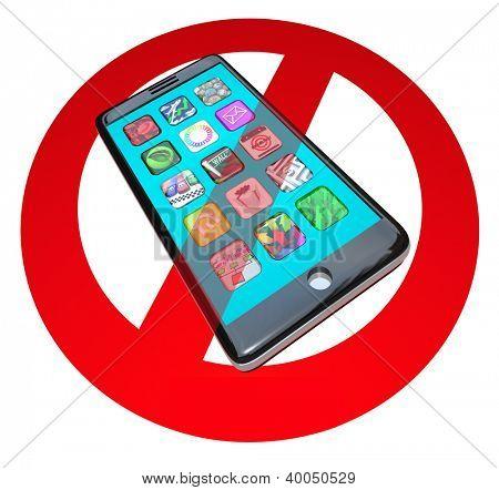 Um vermelho não ou sinal de parada ao longo de um telefone inteligente mostrando os apps para avisar que não use seu telefone em uma cer
