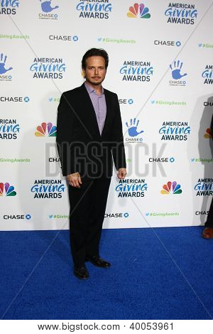 LOS ANGELES - DEC 7:  Scott Wolf arrives to the 2012 American Giving Awards at Pasadena Civic Center on December 7, 2012 in Pasadena, CA