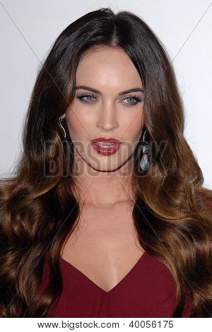 LOS ANGELES - DEC 12:  Megan Fox arrives to the 'This is 40'  Premiere. at Graumans Chinese Theater on December 12, 2012 in Los Angeles, CA