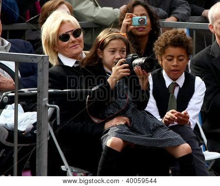 LOS ANGELES - DEC 13:  Deborra-Lee Furness with Ava and Oscar Jackman at the Hollywood Walk of Fame ceremony for Hugh Jackman at Hollywood Boulevard on December 13, 2012 in Los Angeles, CA