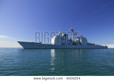 Ticonderoga Class Cruiser At Sea