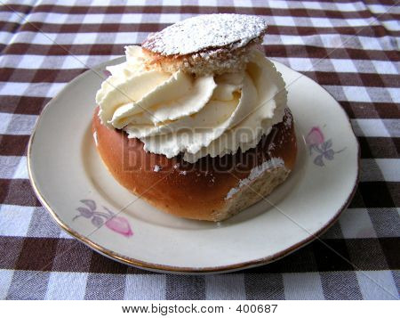 Almondcream Bun