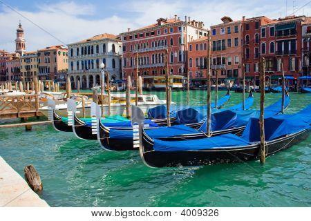 Anchored Gondolas