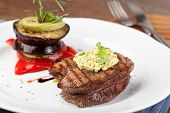 picture of chateaubriand  - Closeup of a gourmet dinner plate with a steak - JPG
