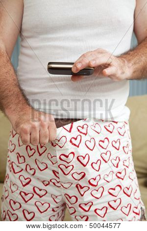 Man sexting a picture of his