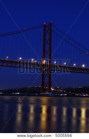 Puente de Lisboa - 25 de abril (noche)