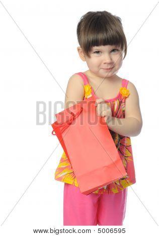 A menina com o pacote surpresa