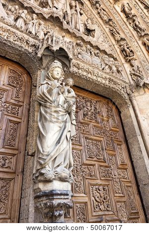 White Virgin On The Door Of The Judgement in Leon.