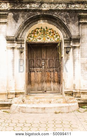 Shan Style Temple Old Door In Wat Papoa , Chiangmai Thailand