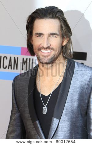 LOS ANGELES - NOV 24: Jake Owen at the 2013 American Music Awards at Nokia Theater L.A. Live on November 24, 2013 in Los Angeles, California