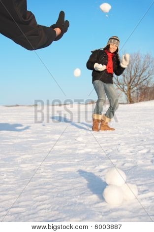 Winter Fun - Snowball Fight