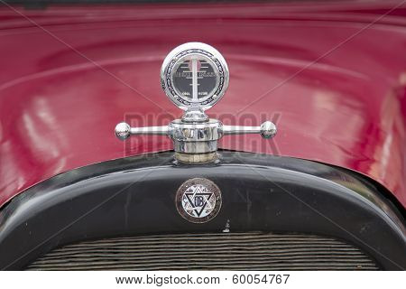 1924 Red Dodge Brothers Touring Car Hood Ornament