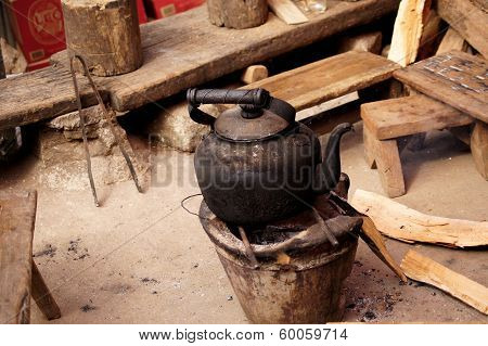old kettle with old life style