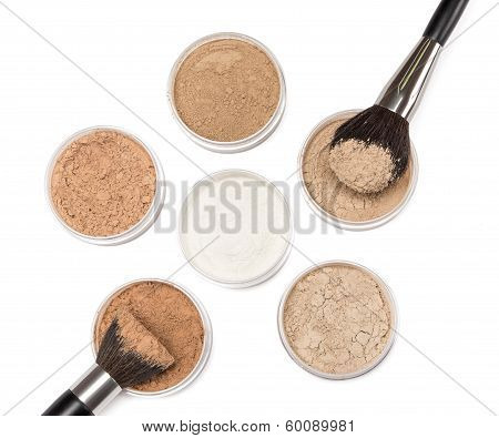 Makeup Brushes With Loose Cosmetic Powder