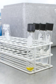 foto of hplc  - Picture of equipment and tools in a lab - JPG