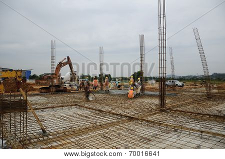 Column reinforcement bar and formwork
