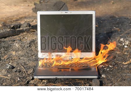 Extremely fast Laptop Computer, so fast it is on fire