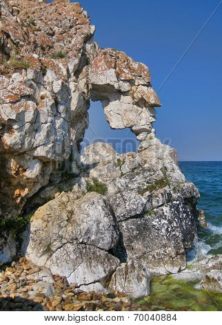 Nature Of Lake Baikal. Rocky Ledges Above The Sea-lake
