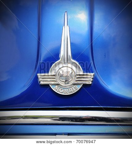 Morris vintage car logo