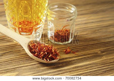 Spoon Dry Saffron