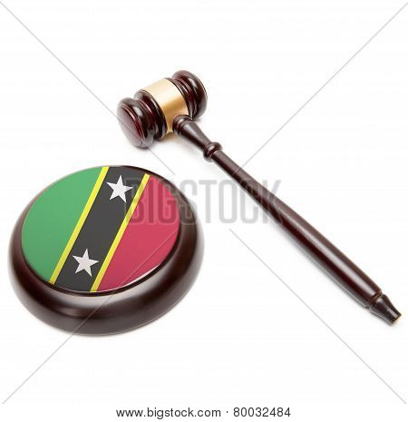 Judge Gavel And Soundboard With National Flag On It - Federation Of Saint Christopher And Nevis