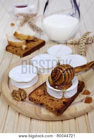 Shavuot: Milk, Soft Cheese And Honey