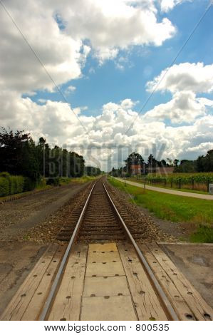 Railroad track, infinity