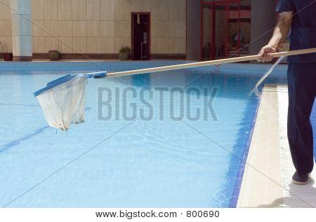 Pool-Pflege